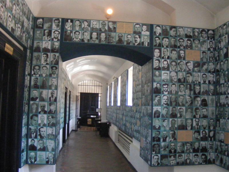 Imagini pentru sighetul marmatiei memorialul