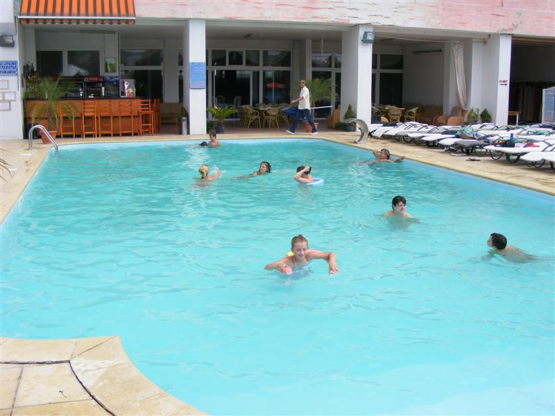 Piscina Royal Garden Bacau (1)-main-pic (Medium)